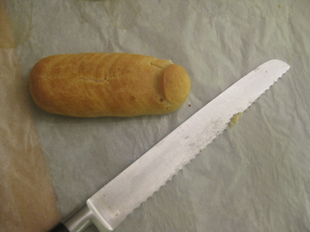 Eclair and knife